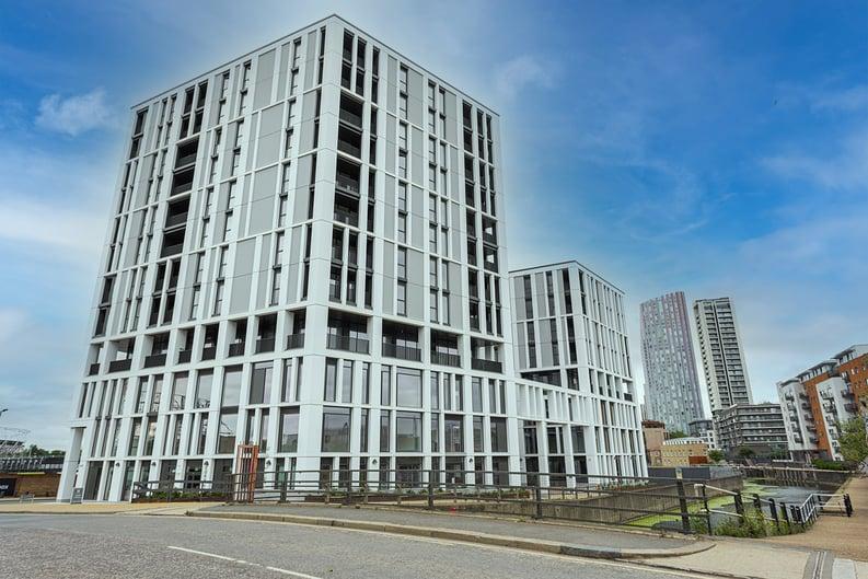 2 bedroom(s) apartment to sale in 10 Marshgate Lane, Stratford, London-image 1