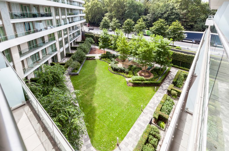 2 bedroom(s) apartment to sale in Cascade Court, Vista Chelsea Bridge, Battersea-image 9