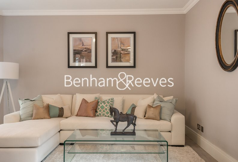 1 bedroom(s) apartment to sale in Clarges Mews, London-image 1