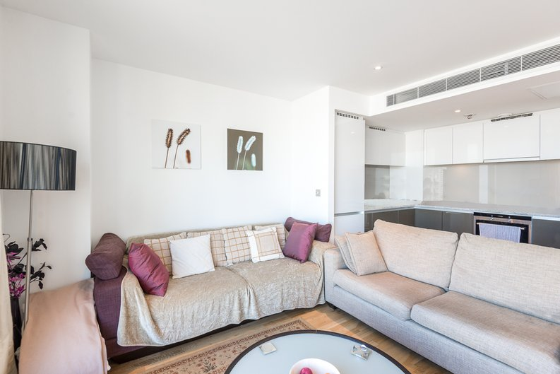 1 bedroom(s) apartment to sale in Marsh Wall, Canary Wharf, London-image 3