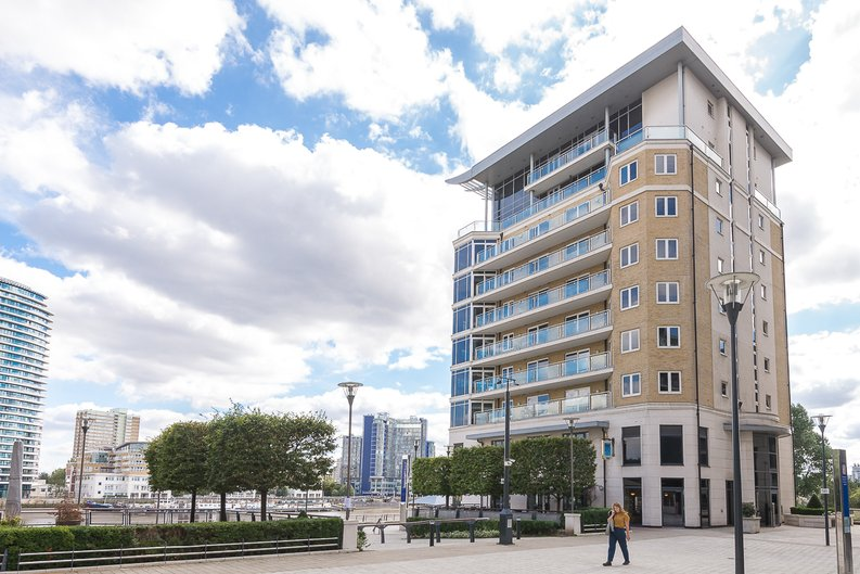 3 bedroom(s) apartment to sale in Riverside Tower , Imperial Wharf , London-image 4