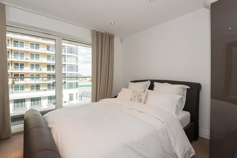3 bedroom(s) apartment to sale in Riverside Tower , Imperial Wharf , London-image 3