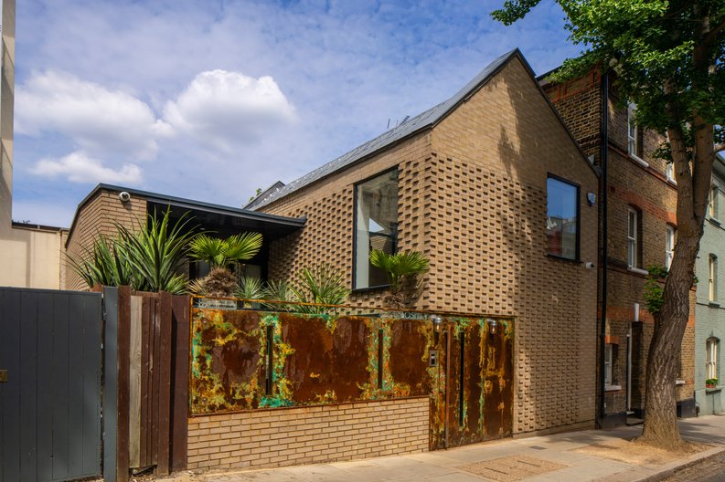 3 bedroom(s) house to sale in Gayton Road, Hampstead Village, London-image 7