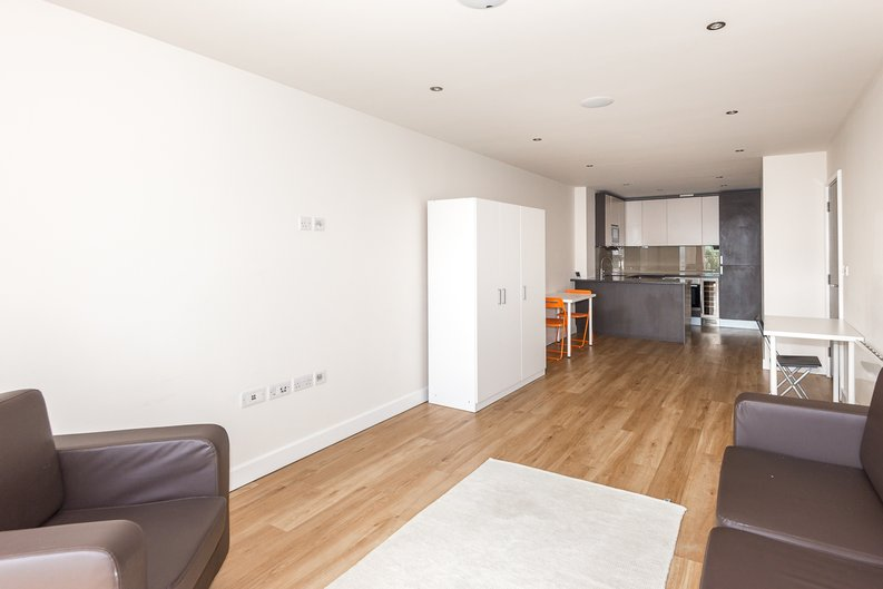 2 bedroom(s) apartment to sale in Claremont House, Aerodrome Road, Beaufort Park, Colindale-image 2