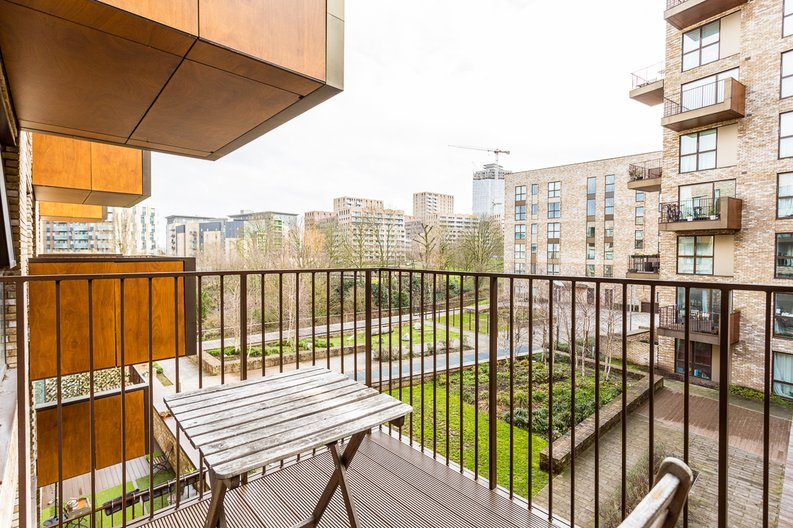 2 bedroom(s) apartment to sale in Bodiam Court, Park Royal-image 14