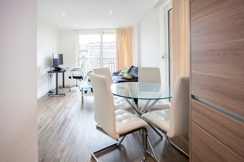 1 bedroom(s) apartment to sale in Baroque Gardens, Mary Rose Square, Surrey Quays-image 7