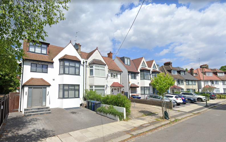 4 bedroom(s) house to sale in Middleton Road, Golders Green, London-image 5