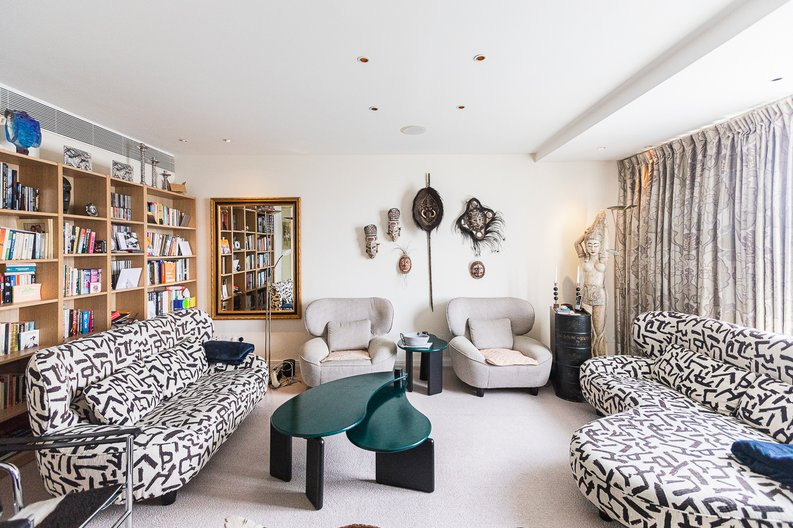 3 bedroom(s) apartment to sale in Cromwell Road, South Kensington, London-image 19