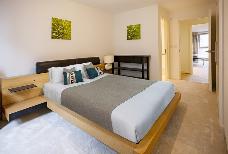 2 bedroom(s) apartment to sale in Eden Grove, Islington, London-image 9