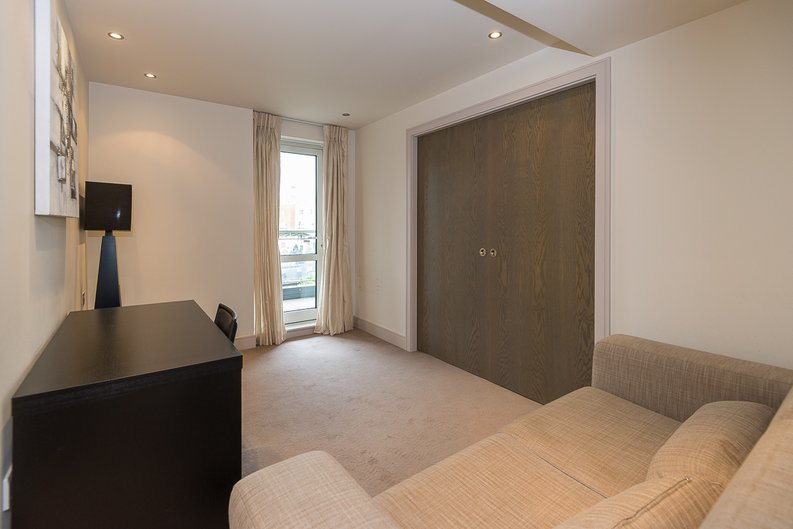3 bedroom(s) apartment to sale in Doulton House, Park Street, Chelsea Creek-image 10