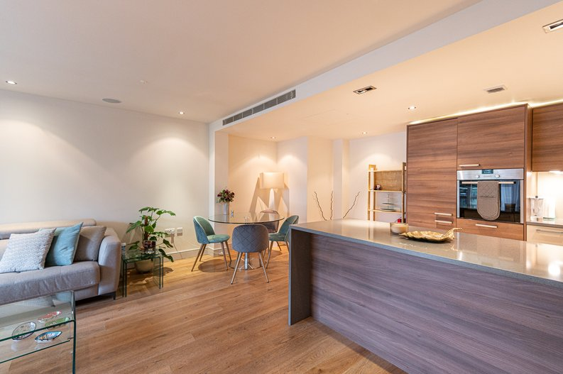 2 bedroom(s) apartment to sale in Doulton House, Park Street, Imperial Wharf, Fulham-image 3