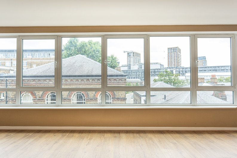 2 bedroom(s) apartment to sale in Hopton Road, Woolwich, London-image 20