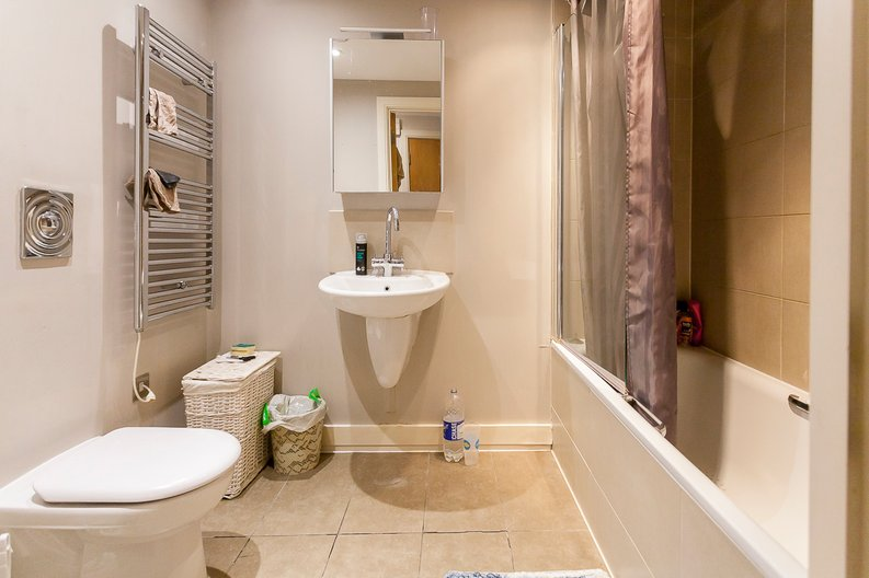 3 bedroom(s) apartment to sale in Edge Apartments, Lett Road, Stratford , London-image 7