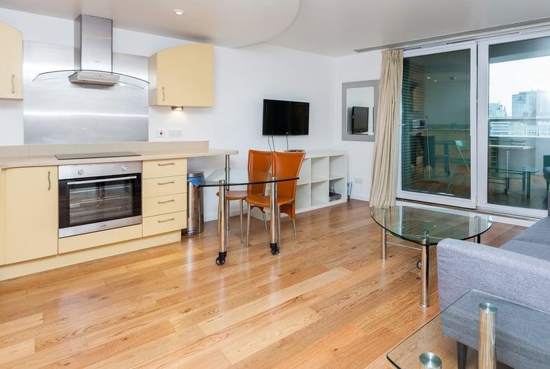 1 bedroom(s) apartment to sale in Westminster Bridge Road, Lambeth, London-image 8