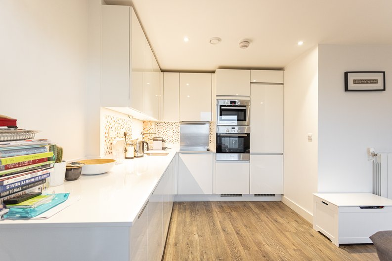 2 bedroom(s) apartment to sale in Cadmus Court, Seafarer Way, Surrey Quays, London-image 18