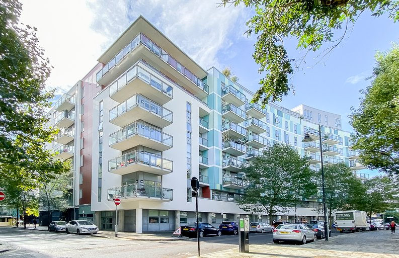 1 bedroom(s) apartment to sale in Eyot House, Sun Passage, Bermondsey-image 8