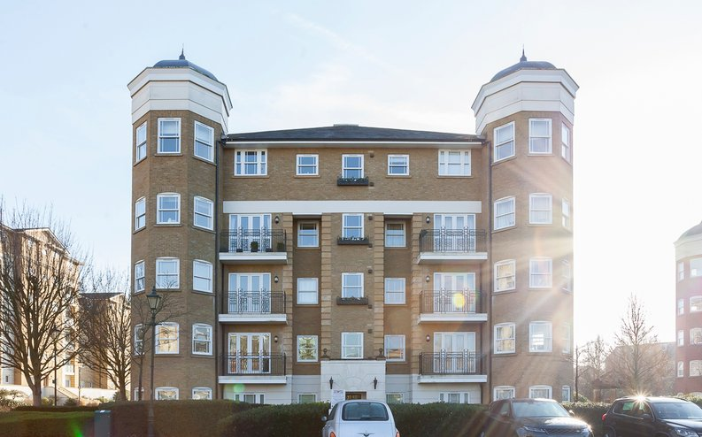 2 bedroom(s) apartment to sale in Trinity Church Road, London-image 15