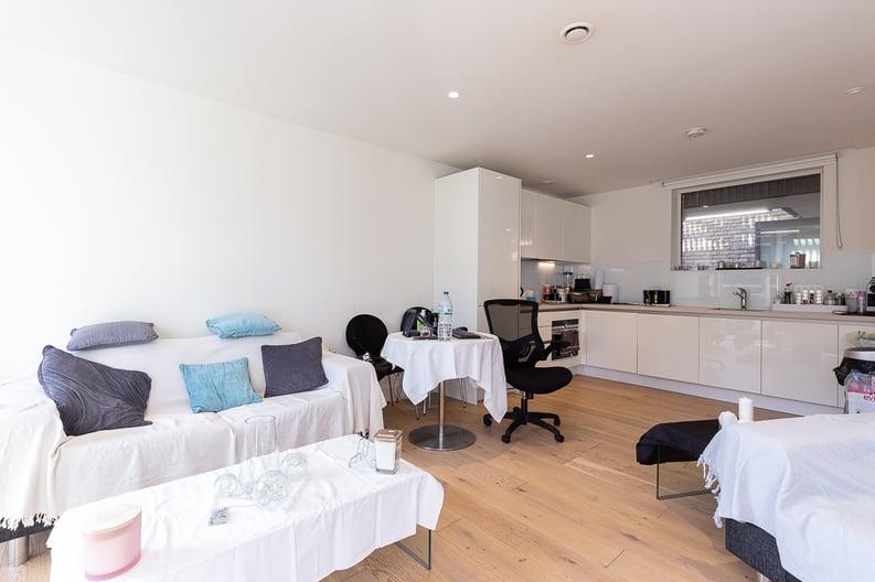 1 bedroom(s) apartment to sale in Atrium Apartments, 12 West Row, Ladbroke Grove-image 2