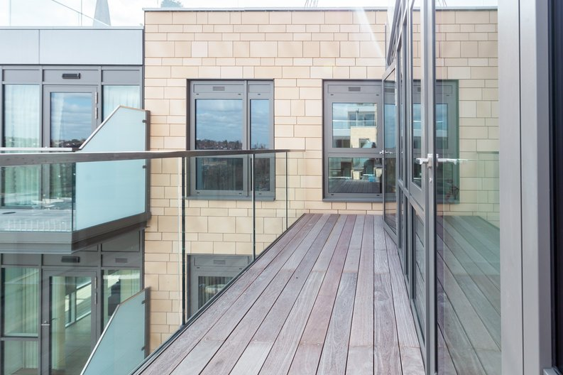 2 bedroom(s) apartment to sale in Longfield Avenue, Ealing, London-image 5