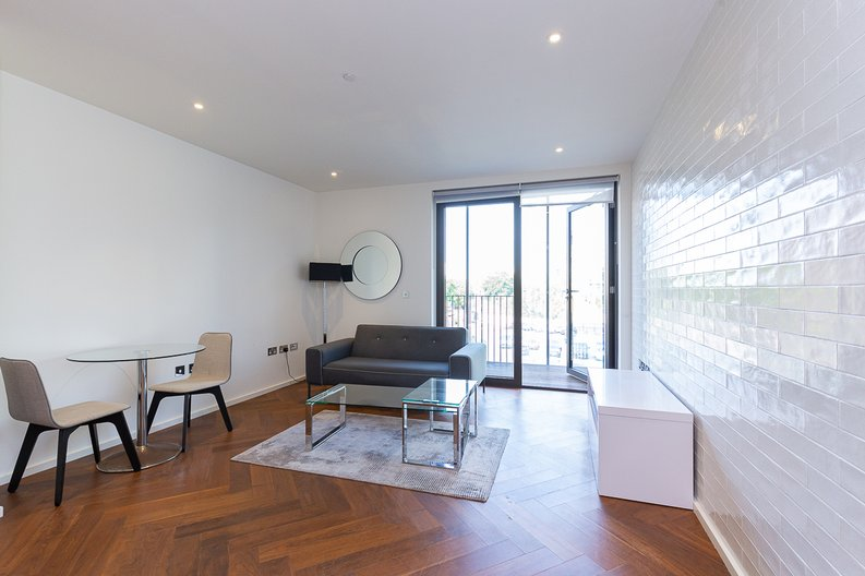 1 bedroom(s) apartment to sale in Ambassador Building, New Union Square, Nine Elms-image 2
