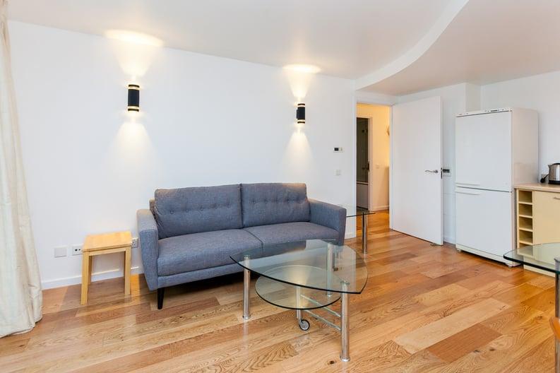 1 bedroom(s) apartment to sale in Westminster Bridge Road, Lambeth, London-image 5
