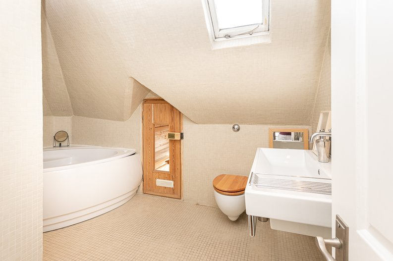2 bedroom(s) apartment to sale in Hollycroft Avenue, Hampstead, London-image 12