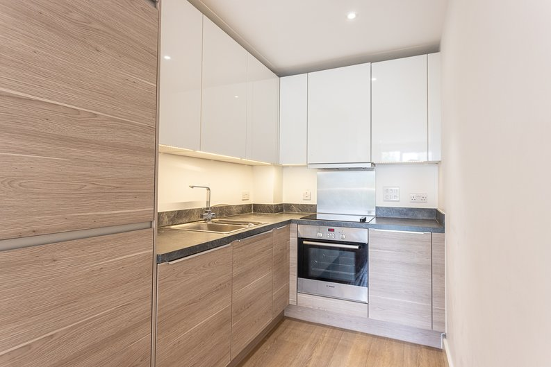 1 bedroom(s) apartment to sale in Seafarer Way, Surrey Quays, London-image 2