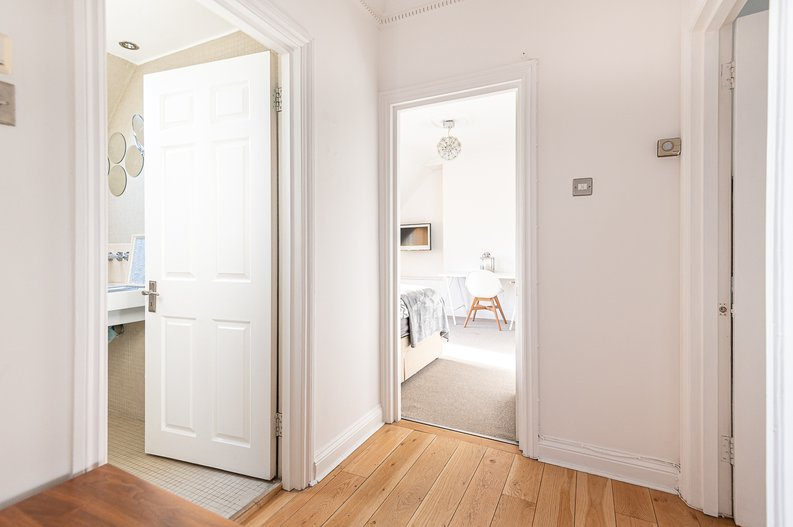 2 bedroom(s) apartment to sale in Hollycroft Avenue, Hampstead, London-image 17