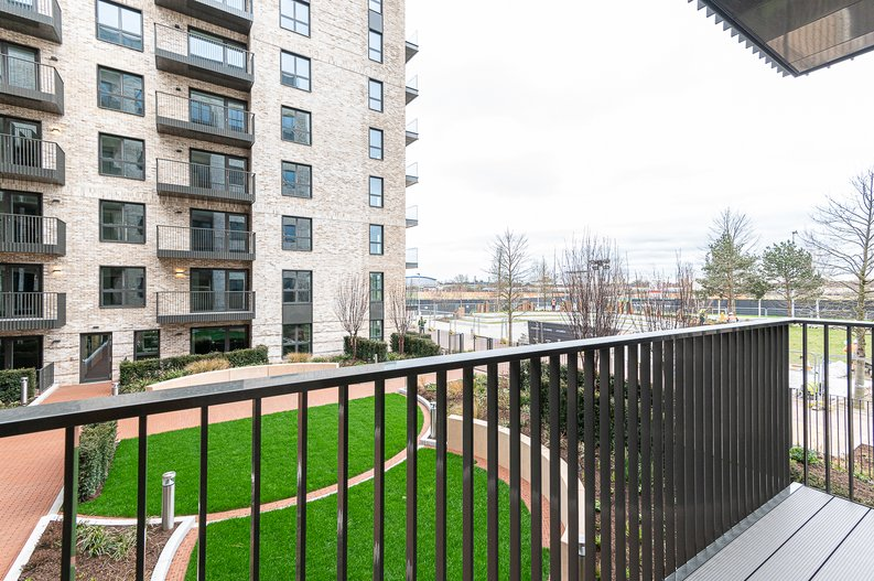 1 bedroom(s) apartment to sale in The Green Quarter, Sibley House, Southall Waterside, London-image 8