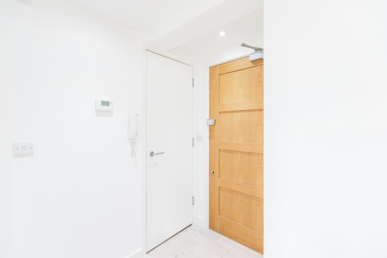Studio apartment to sale in Prospect House, 67 St John's Road, Hounslow, London-image 16