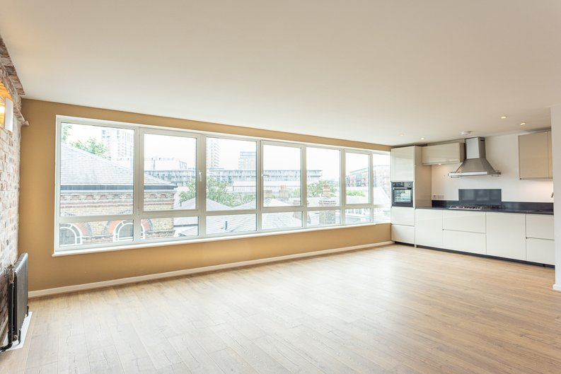 2 bedroom(s) apartment to sale in Hopton Road, Woolwich, London-image 1