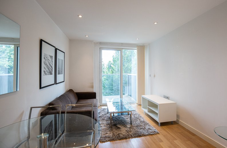 1 bedroom(s) apartment to sale in Riverside Apartments, , Goodchild Road, London-image 3