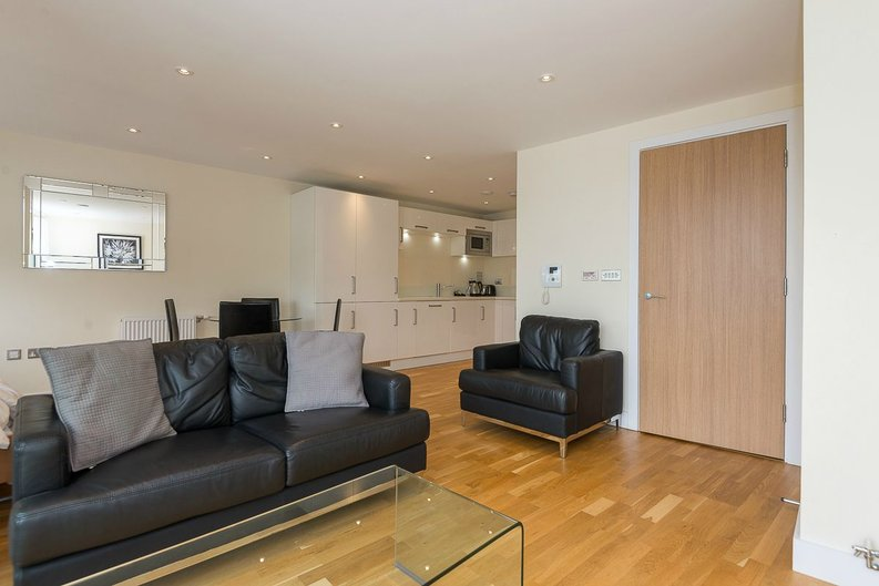 1 bedroom(s) apartment to sale in Arc House, 16 Maltby Street, London-image 9