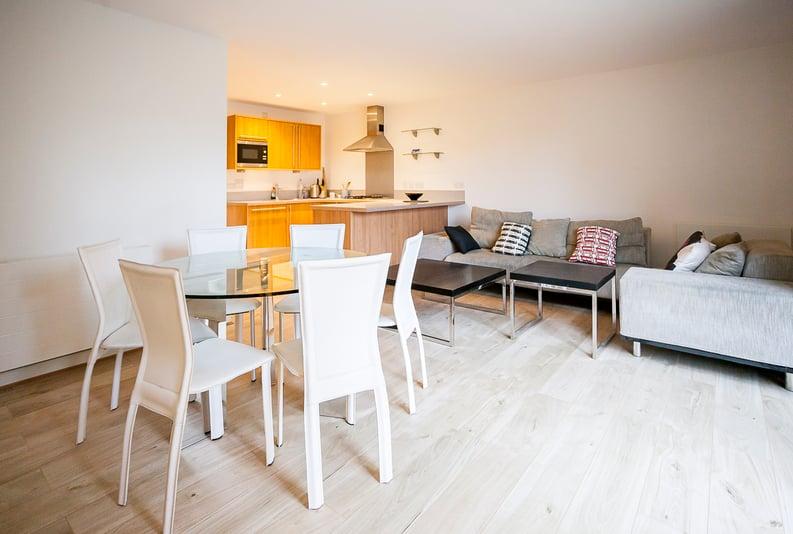 2 bedroom(s) apartment to sale in Eden Grove, Islington, London-image 1