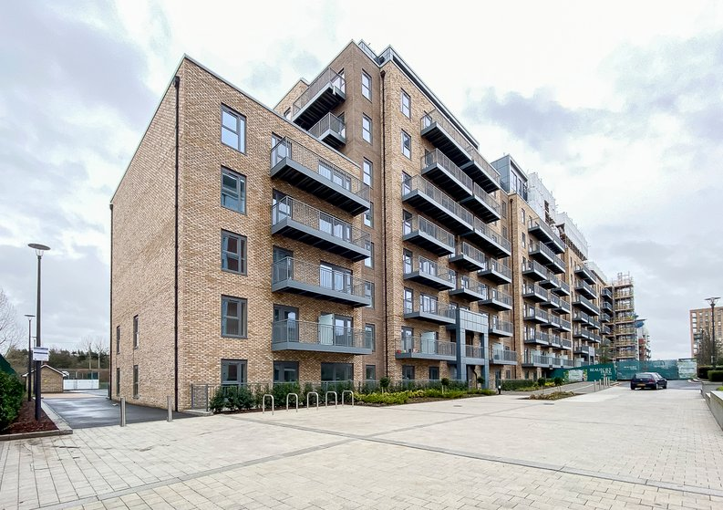 1 bedroom(s) apartment to sale in Fairbank House, Beaufort Square, Beaufort Park, Colindale-image 10