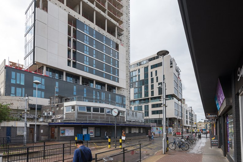 2 bedroom(s) to sale in City North, Finsbury Park, London-image 2