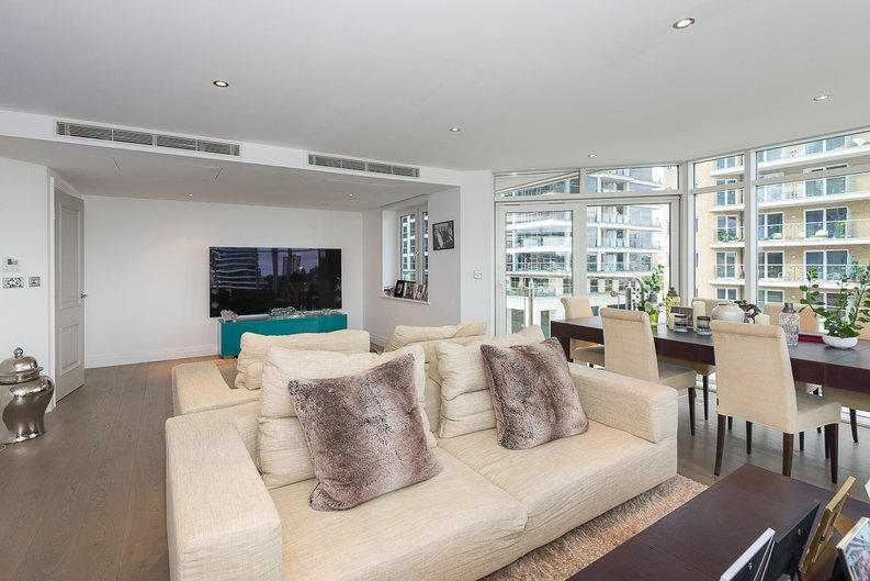 3 bedroom(s) apartment to sale in Riverside Tower , Imperial Wharf , London-image 10