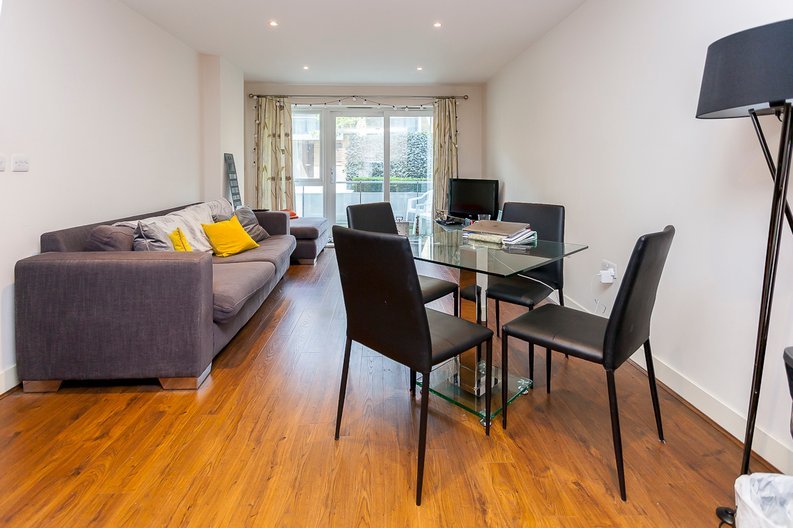 2 bedroom(s) apartment to sale in Napier House, Bromyard Avenue, Acton-image 2