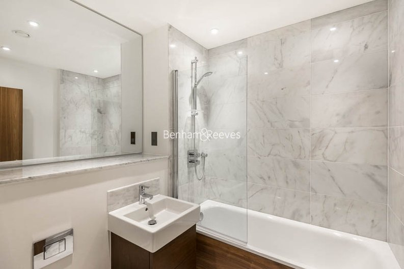 2 bedroom(s) apartment to sale in Beaufort Court, Maygrove Road, West Hampstead, London-image 4