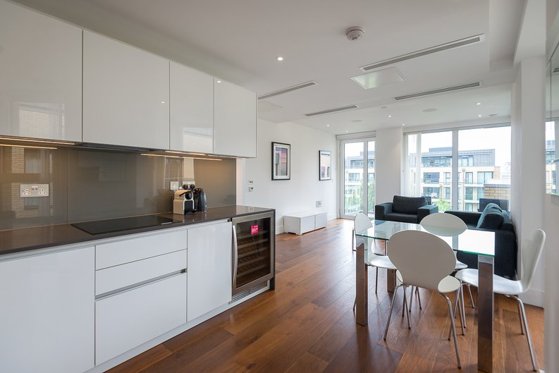 2 bedroom(s) apartment to sale in Westbourne Apartments, Central Avenue, Fulham-image 2
