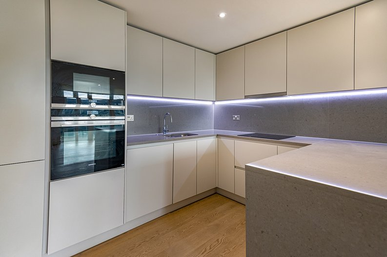 2 bedroom(s) apartment to sale in Vaughan Way, St Katherine's & Wapping, London-image 7