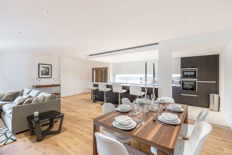 2 bedroom(s) apartment to sale in Rothschild House, Kew Bridge Road, Kew, Brentford-image 3
