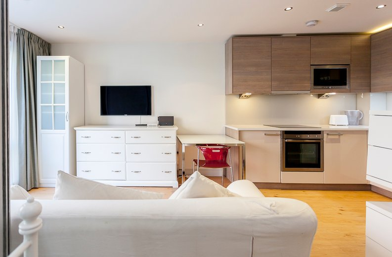 1 bedroom(s) apartment to sale in Counter House, Park Street, Chelsea Creek, London-image 4