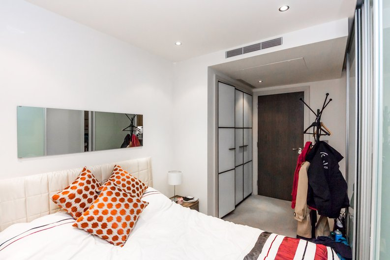 1 bedroom(s) apartment to sale in Townmead Road, Imperial Wharf, London-image 3