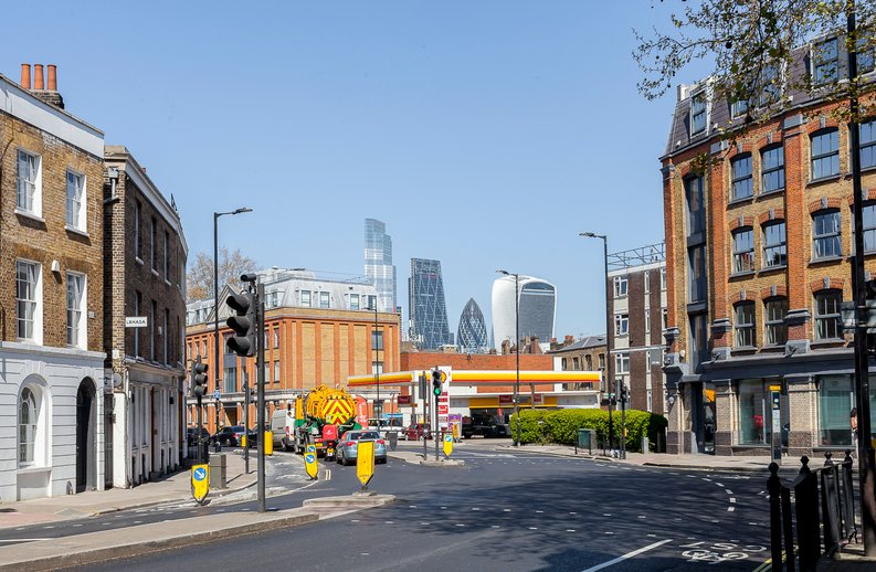 2 bedroom(s) apartment to sale in Cuthbert House, 94 Southwark Bridge Road, Brigade Court, London-image 6
