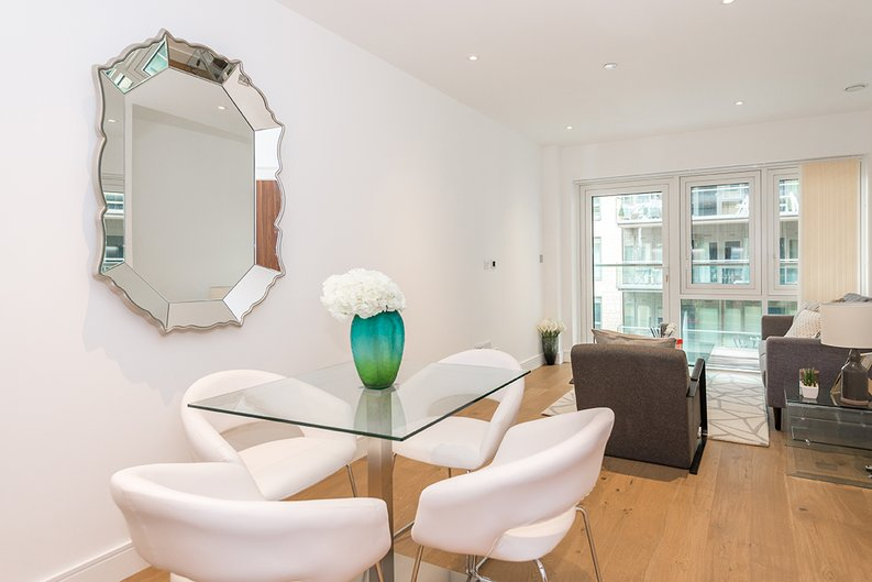 1 bedroom(s) apartment to sale in Vista House, Dickens Yard, Ealing-image 5