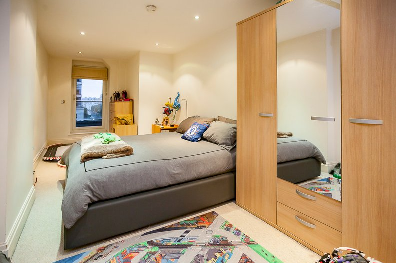 2 bedroom(s) apartment to sale in Chelsea Vista, Imperial Wharf, Fulham-image 8