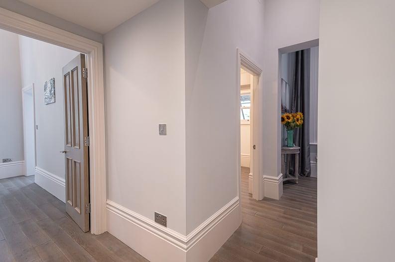 2 bedroom(s) apartment to sale in Belsize Park Gardens, Belsize Park, London-image 14
