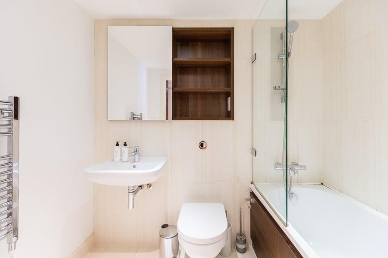 Studio apartment to sale in Napier House, Bromyard Avenue, London-image 6