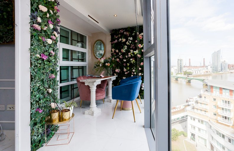 1 bedroom(s) apartment to sale in Falcon Wharf, 34 Lombard Road, Battersea-image 1